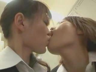 Sexy dospievajúci lesbické porno